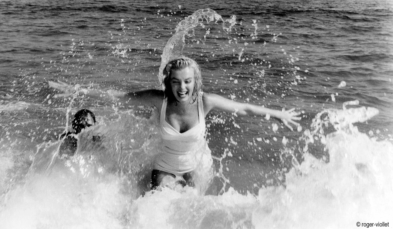rv.marilynmonroedansleau-1950s.jpg